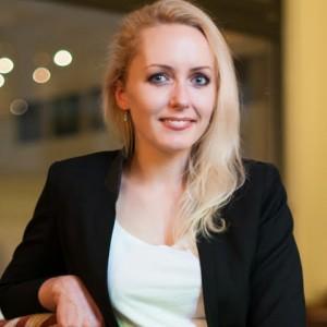 Über-Katharina-Iten_Head-Sales-Marketing-Recomy